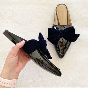 Banana Republic Pointed Bow Mules 6.5